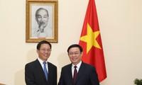Phó Thủ tướng Vương Đình Huệ tiếp Phó Bí thư tỉnh uỷ Vân Nam Vương Dư Ba