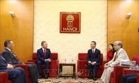 Chủ tịch Hạ viện Kazakhstan giao lưu tại Đại học Hà Nội