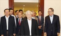 Bộ Chính trị họp bàn về Đề án phát triển tỉnh Thừa Thiên Huế và thành phố Buôn Ma Thuột