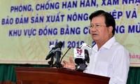 Phó Thủ tướng Trịnh Đình Dũng chỉ đạo công tác phòng, chống hạn mặn vùng ĐBSCL