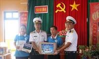 Hoạt động thăm, chúc Tết quân và dân trên các đảo thuộc quần đảo Trường Sa