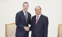Thủ tướng Nguyễn Xuân Phúc tiếp Giám đốc điều hành Cơ quan Phát triển tài chính quốc tế Hoa Kỳ