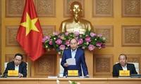 Thủ tướng Nguyễn Xuân Phúc chủ trì họp phiên toàn thể lần thứ 6 của Tiểu ban Kinh tế-Xã hội