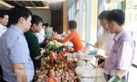 Bắc Giang nhiều người tiêu dùng ưu tiên sử dụng hàng Việt