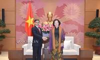 Chủ tịch Quốc hội Nguyễn Thị Kim Ngân tiếp Đại sứ Ấn Độ Pranay Verma