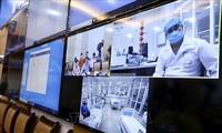 Ngành y tế hội chẩn trực tuyến để điều trị bệnh nhân mắc COVID-19