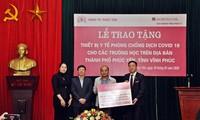 Trao 130 máy đo thân nhiệt tặng các trường học tỉnh Vĩnh Phúc