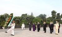 Lãnh đạo Thành phố Hồ Chí Minh dâng hương tưởng niệm các Anh hùng liệt sĩ