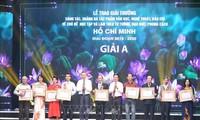 Hơn 200 tác phẩm đạt giải thưởng sáng tác và quảng bá VHNT, báo chí