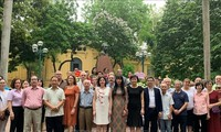 Lễ dâng hoa tưởng nhớ Anh hùng dân tộc Cuba José Martí