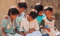 Hỗ trợ  trẻ em khó khăn tại các tỉnh miền Trung