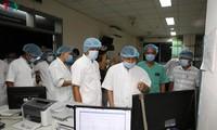 Thứ trưởng Bộ Y tế  kiểm tra công tác điều trị bệnh nhân tại Bệnh viện Trung ương Huế