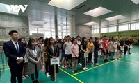 Sinh viên Việt Nam tại Nga tổ chức giải cầu lông chào mừng 90 năm thành lập Đoàn