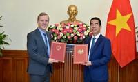 Việt Nam và Anh trao đổi công hàm Hiệp định thương mại tự do