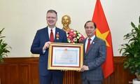 Thứ trưởng Bộ Ngoại giao Nguyễn Quốc Dũng tiếp Đại sứ Hoa Kỳ Daniel Kritenbrink