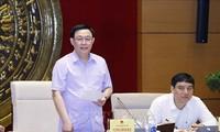 Chủ tịch Quốc hội Vương Đình Huệ làm việc với Ủy ban Tài chính, Ngân sách