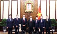 Chủ tịch nước Nguyễn Xuân Phúc tiếp Đại sứ các nước trình quốc thư