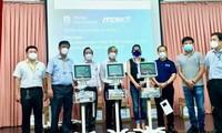 Công ty Philips và MCNV ( Hà Lan) hỗ trợ Việt Nam máy thở theo dõi bệnh nhân