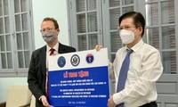 Việt Nam tiếp nhận tủ lạnh âm sâu từ Hoa Kỳ để lưu trữ vắc xin Pfizer