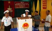 Во многих провинциях и городах Вьетнама прошло ранее голосование