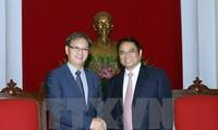 Необходимо поднять вьетнамо-лаосские отношения на новую высоту