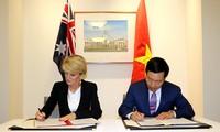 Вице-премьер, глава МИД СРВ Фам Бинь Минь провел переговоры с главой МИД Австралии