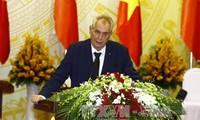 Чешские СМИ осветили итоги переговоров между президентами Вьетнама и Чехии