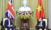 Вьетнам и Великобритания активизируют сотрудничество в различных областях