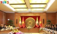 阮氏金银与缅甸联邦议会议长曼温凯丹举行会谈