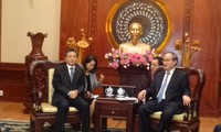 胡志明市市委书记阮善仁会见中国驻胡志明市总领事陈德海