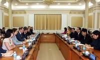 越南胡志明市加强与俄罗斯圣彼得堡市的合作