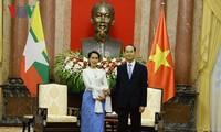 陈大光会见缅甸国务资政兼外交部长昂山素季
