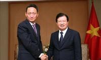 签发长期签证有助于促进越韩合作交流
