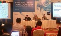 亚行:在全球经济增长前景黯淡的背景下越南经济保持良好增长势头