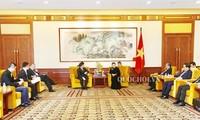 阮氏金银会见中国企业代表