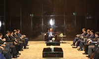越南政府副总理张和平会见出席提高预防和打击跨国毒品犯罪合作效果部长级会议的各国代表团团长