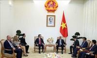 越南政府总理阮春福会见欧盟驻越南代表团团长阿莉贝蒂大使