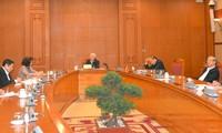 越共中央总书记、国家主席阮富仲主持越共十三大人事工作小组会议