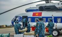 越南政府总理阮春福赞扬军队公安力量防疫工作
