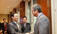 ឧបនាយករដ្ឋមន្រ្តីលោក Vuong Dinh Hue ជួបធ្វើការជាមួយថ្នាក់ដឹកនាំ WTO នៅទីក្រុងហ្សឺណែវ