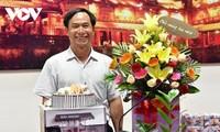យុទ្ធជនពលី អ្នកកាសែត Pham Van Huong - ជាជនគំរូដែលជក់ចិត្តនឹងអាជីព