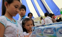 Gần 200 tiểu thương chợ truyền thống tham gia tiếp sức hàng Việt