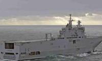 Tàu đổ bộ hiện đại của Quân đội Pháp cập cảng tại Bà Rịa-Vũng Tàu