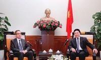 Phó Thủ tướng, Bộ trưởng Ngoại giao Việt Nam tiếp Đại sứ Brunei Darussalam chào xã giao