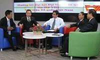 Phát huy vai trò của người Việt Nam ở nước ngoài  trong việc xây dựng khối đại đoàn kết dân tộc