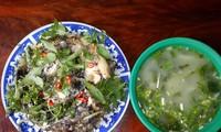 Cá tràu nấu canh chua lá bứa
