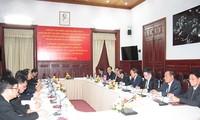 Tòa án nhân dân Việt Nam và CHDCND Lào chia sẻ kinh nghiệm trong xét xử