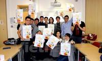 """Đặc sắc Ngày hội văn hóa """"Sắc màu Việt Nam"""" tại London"""