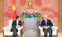 Phó Chủ tịch Quốc hội Uông Chu Lưu tiếp Đoàn đại biểu Ủy ban Phụ trách Hành chính công QH Bangladesh