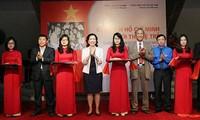 """Khai mạc triển lãm """"Chủ tịch Hồ Chí Minh với thế hệ trẻ"""""""
